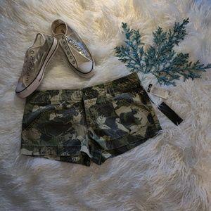 NWT Hurley  camo shorts, juniors size 7